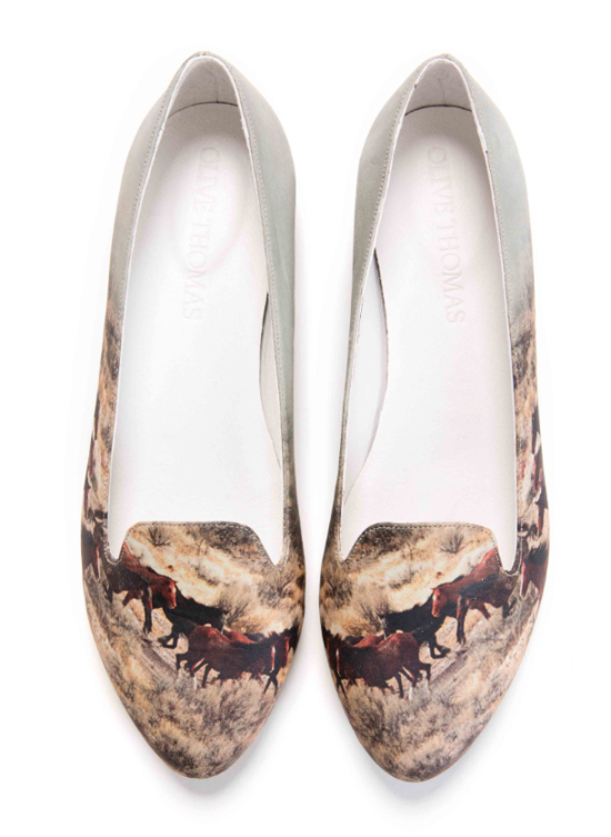 Horses printed leather shoes