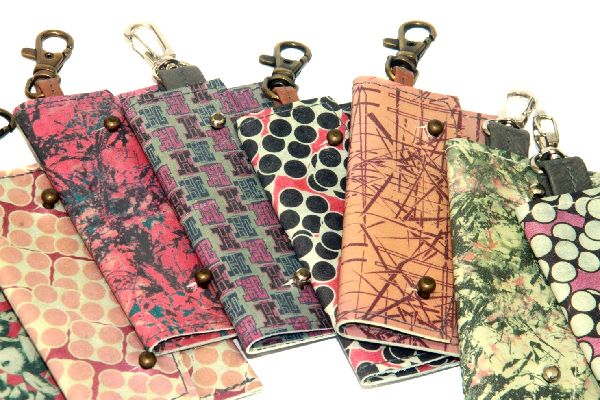 Leather Card Holder Sewing Pattern by PINEAPPLE